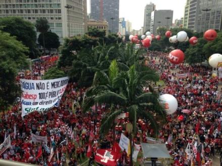 Cerca de 100 mil no 1º de Maio em São Paulo.